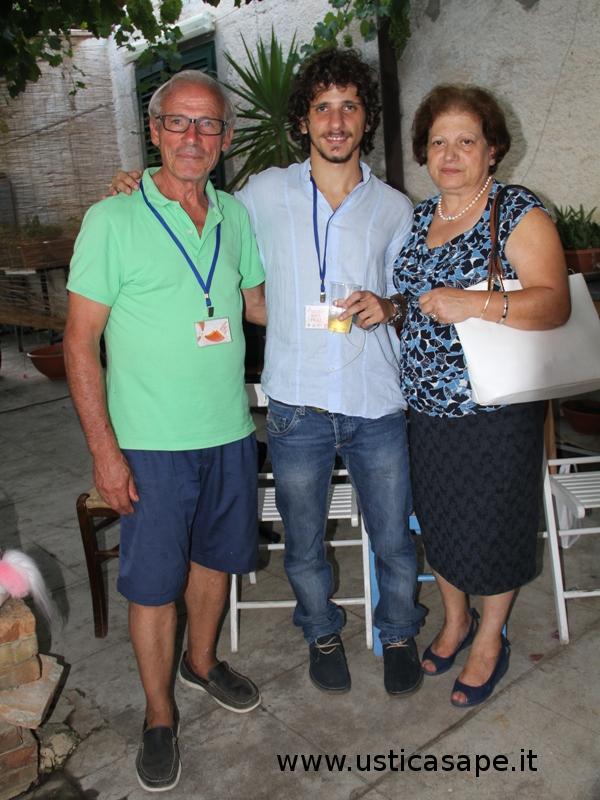 Il nostro giovane regista Riccardo Callella si rilassa con papà e mamma