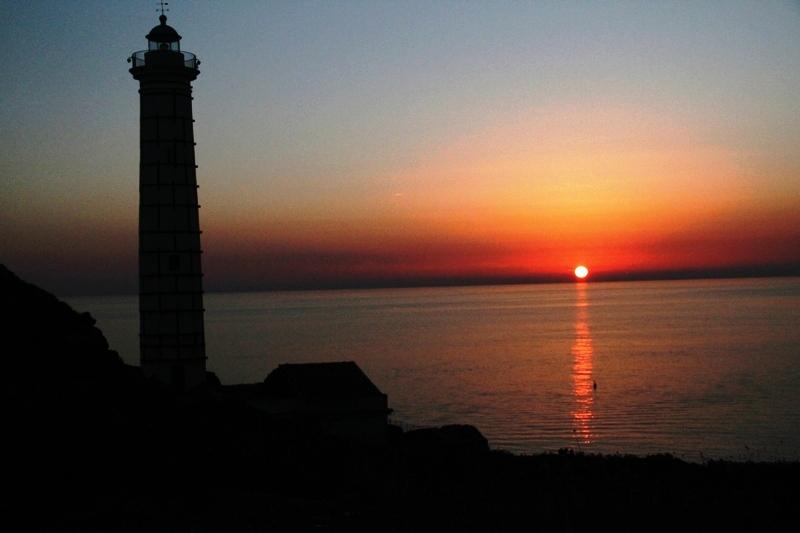 Ustica Faro Punta Cavazzi, tramonti