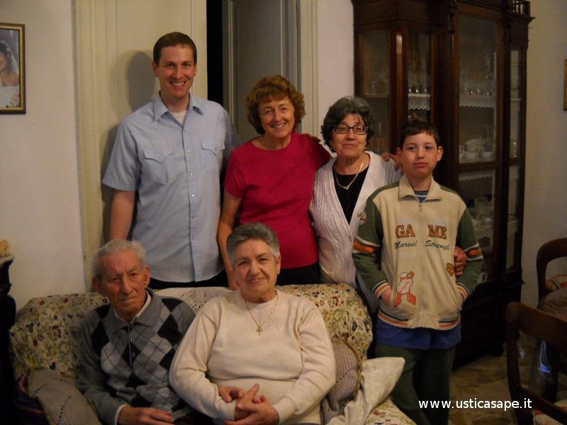 Americani ad Ustica in visita parenti