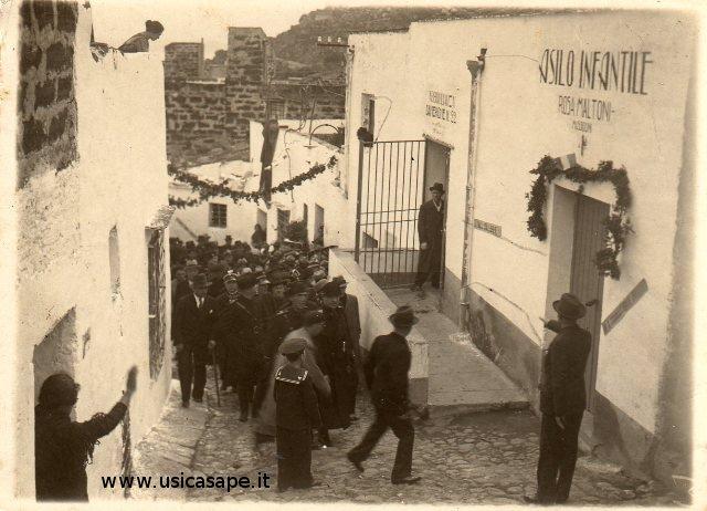 Ustica, inaugurazione asilo infantile 1932-33