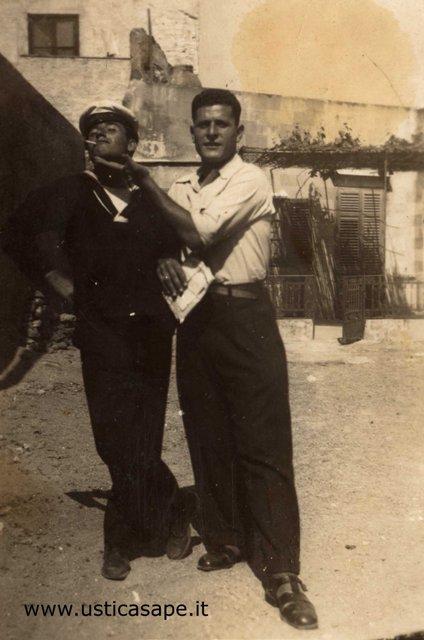 Camillo presenta il suo amico marinaio