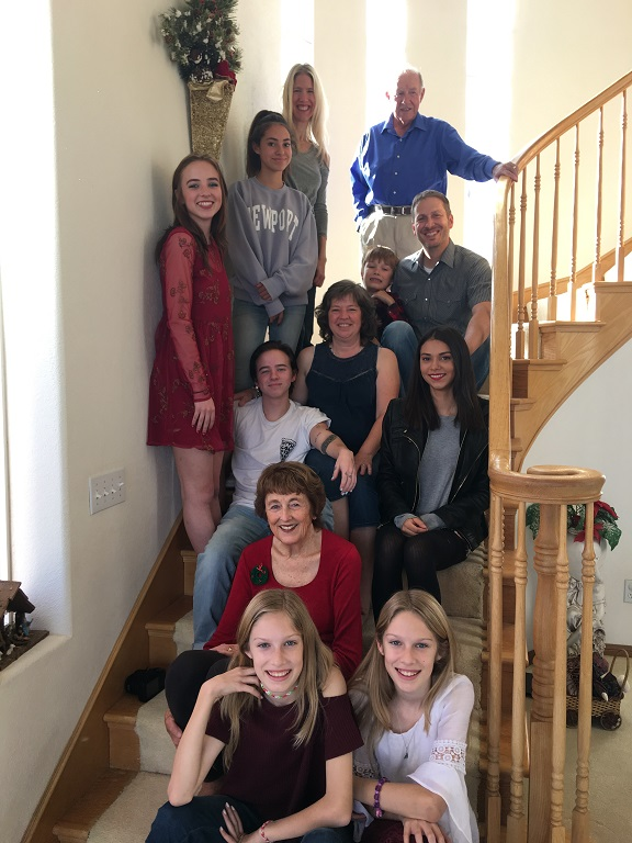 La famiglia Robershaw unita festeggia il Santo Natale con l'immancabile lasagna