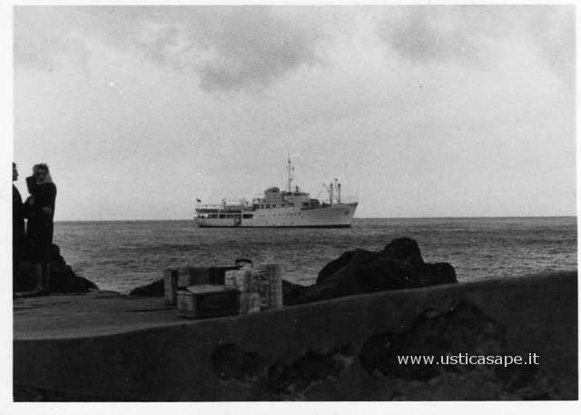 Arrivo nuova Ustica febbr. 1964