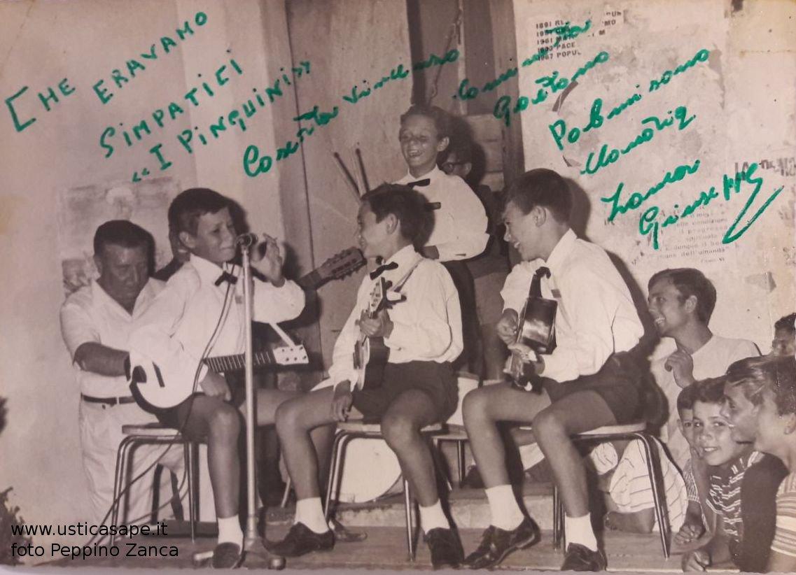 I Pinguini Prima Band Usticese anno 1961 - Direttore artistico e front-man PEPPINO ZANCA.