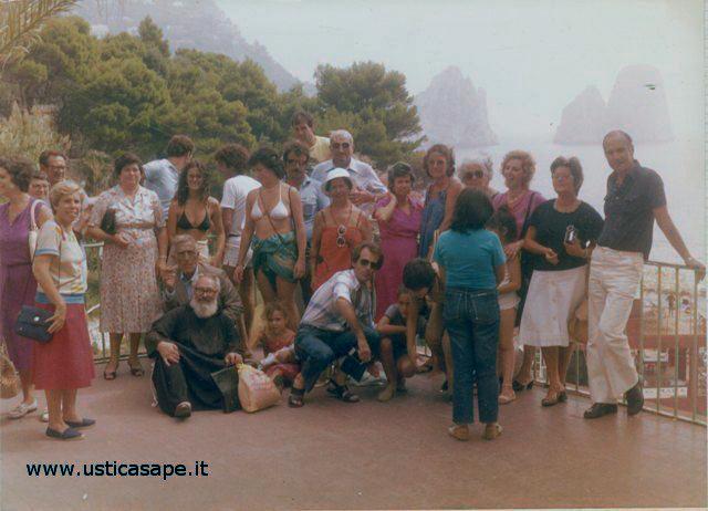 Uomini e donne di Ustica in gita
