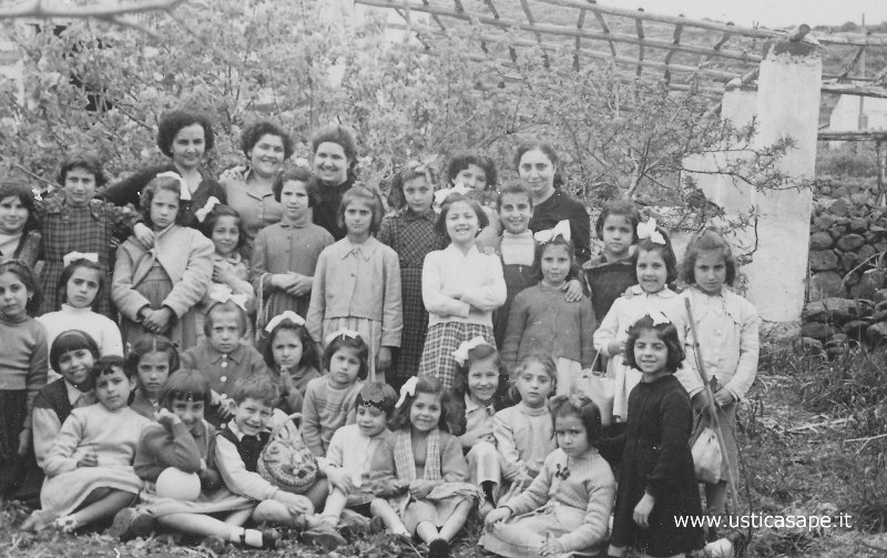 Ustica, colonia per ragazze