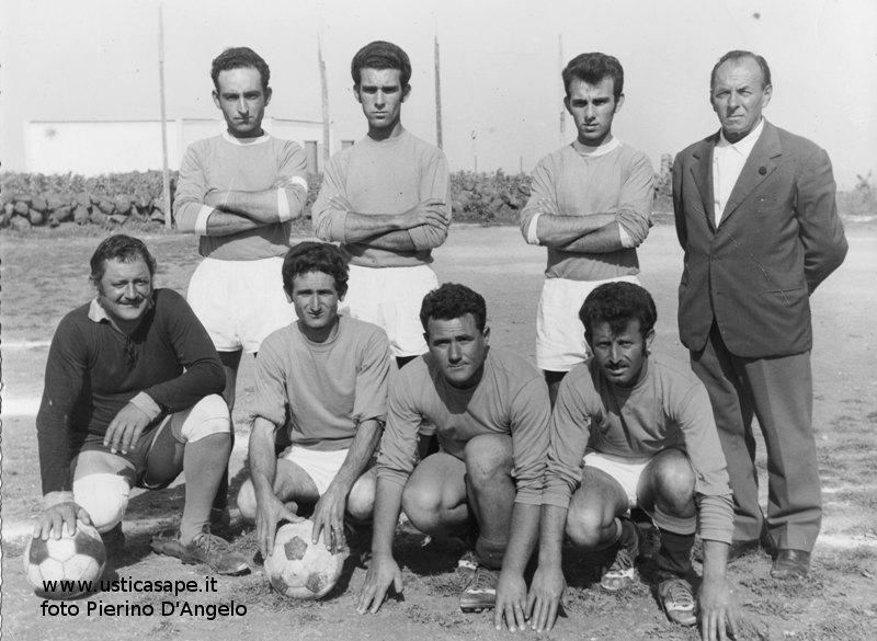 Ustica, giocatori Calcetto 1969