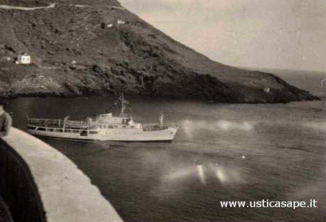 Ustica vecchia foto ancora senza il villaggio dei pescatori