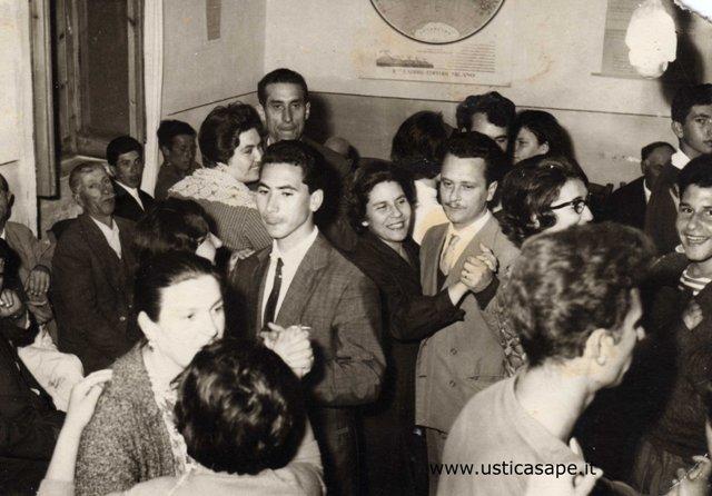 Ustica, grande serata danzante al Centro di Cultura Popolare