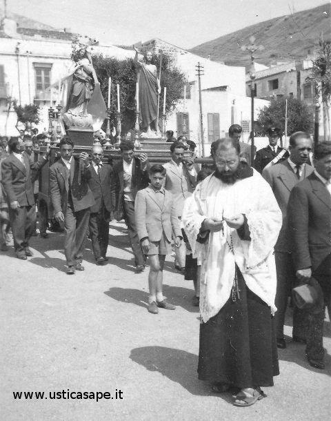 Ustica, processione Pasqua