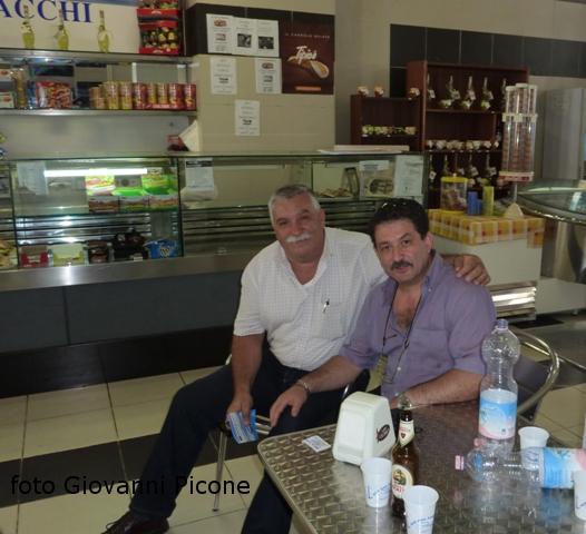 Incontro per caso ad Ustica di due amici dopo molti anni