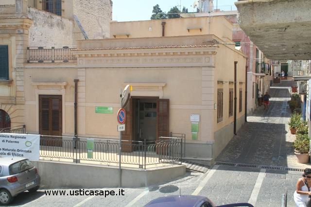 Ustica, angolo di via Roma