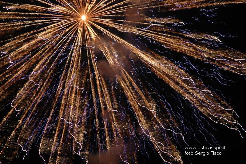 Ustica, spettacolari giochi d'artificio - San Bartolomeo 2006