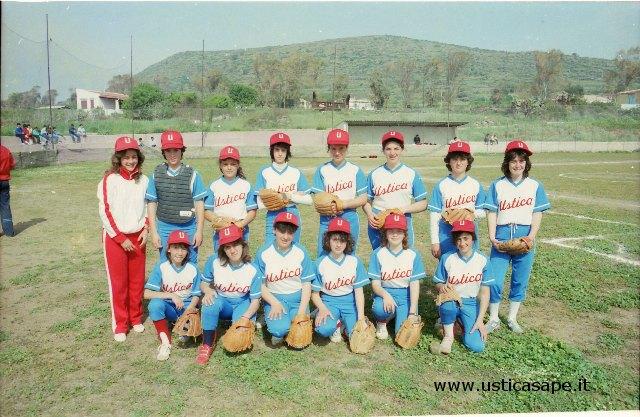 Ustica, squadra di Softball