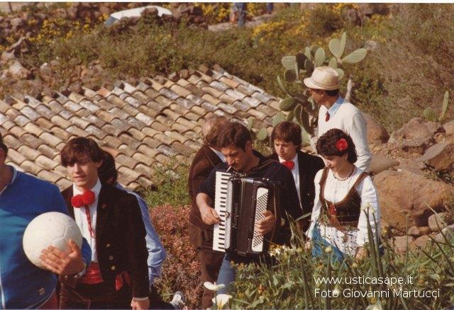 Ustica, momenti di allegria per il paese