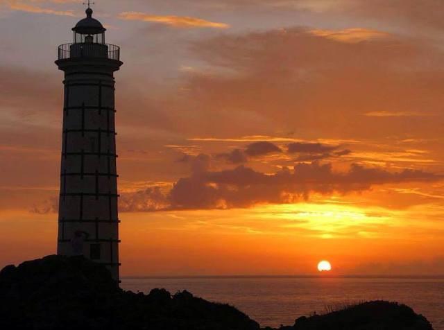 Ustica faro di Punta Cavazzi,, tramonto