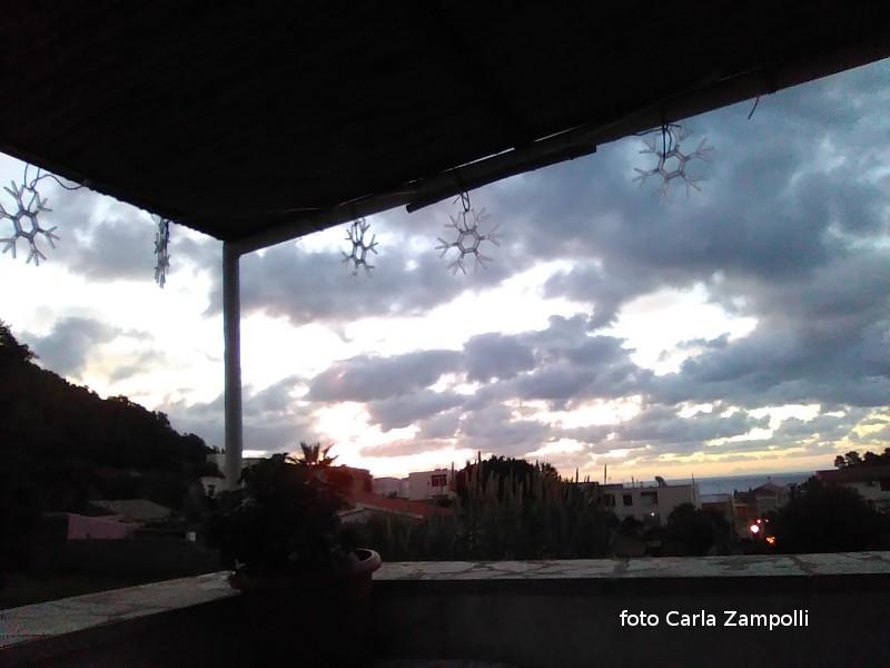 Ustica,  visto da casa, tramonto poco rassicurante