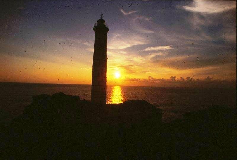 Ustica, Faro Punta Cavazzi al tramonto