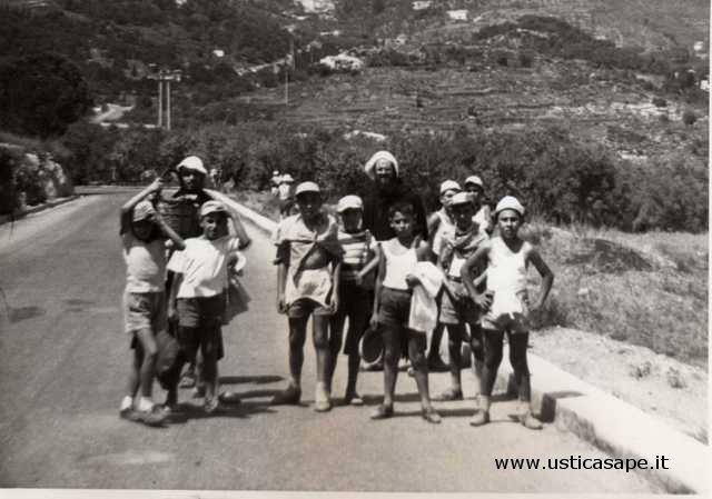 Ragazzi dell'azione cattolica, escursioni per Ustica