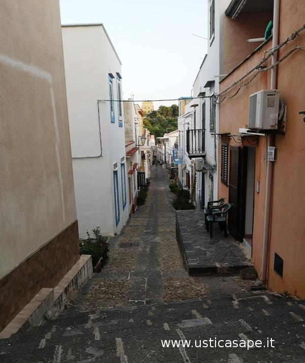 Ustica, Via Refugio