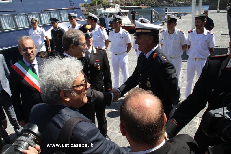 incontro del Presidente Musumeci con il Comandante de Vigili urbani (il solo...)