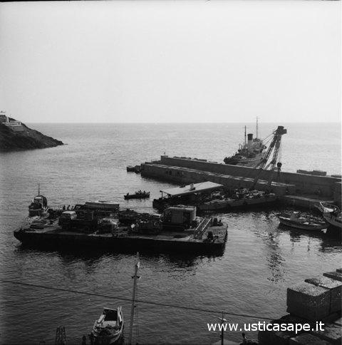 Ustica, costruzione banchina