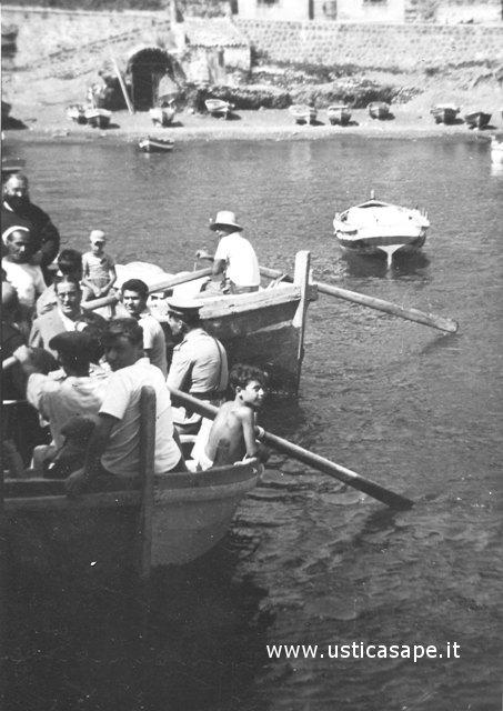 Ustica, imbarco passeggeri