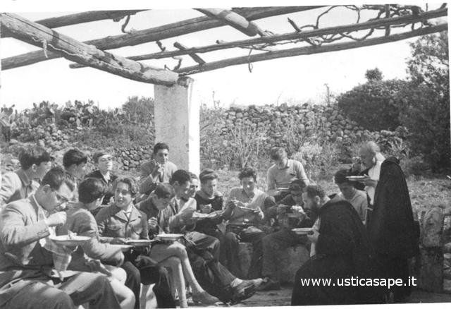 Ustica,  Ragazzi della scuola media