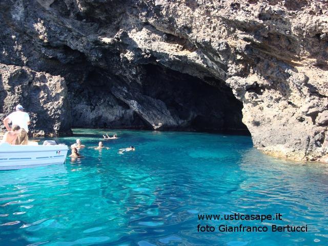 Ustica zona grotta verde