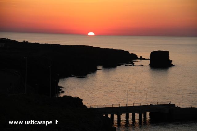 Ustica zona faraglioni, tramonto