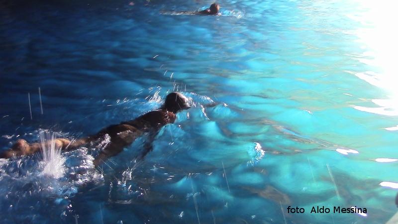 Ustica, Meraviglioso bagno alla grotta azzurra