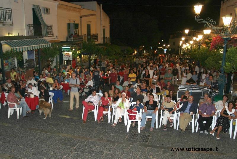 Ustica, festa in piazza occasione festeggiamenti San Bartolomeo