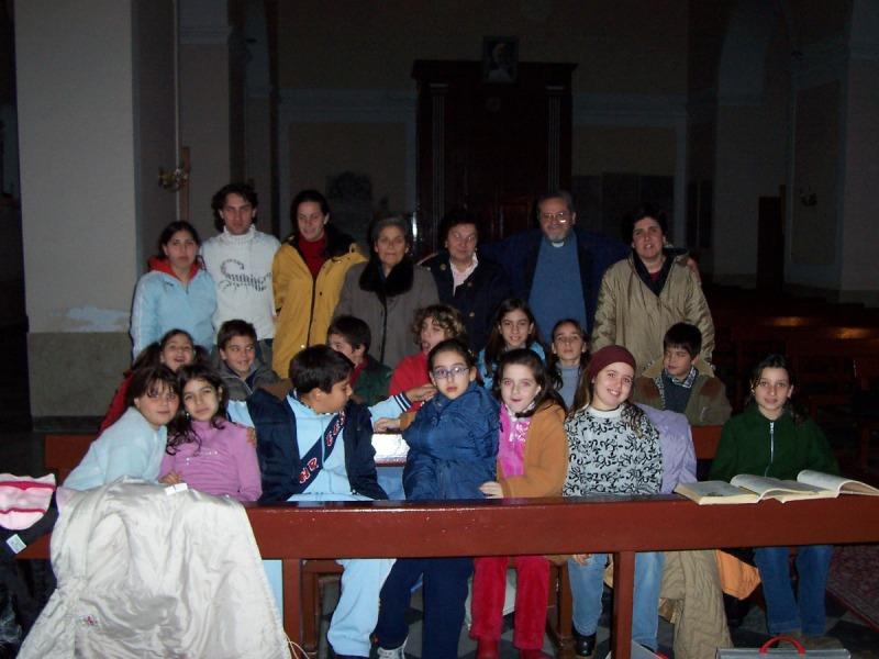 Ustica,  Foto ricordo con Padre Alessandro