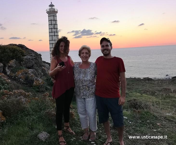 Ustica tramonto, Maria Bertucci Compagno incontra Stefano Coco