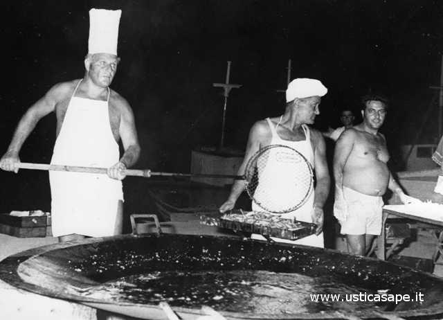 Ustica, Camillo e la  padellata di pesce