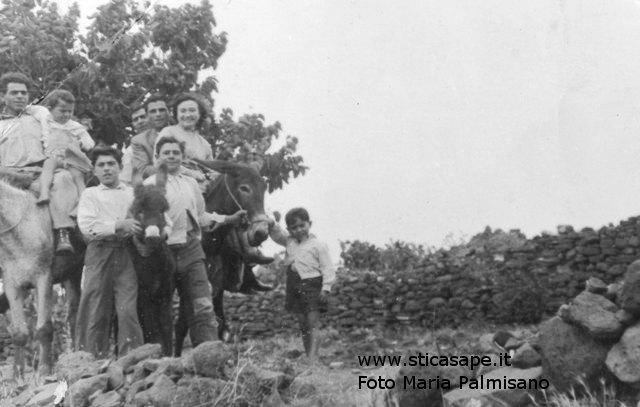 Ustica famiglia Palmisano, una gita in campagna