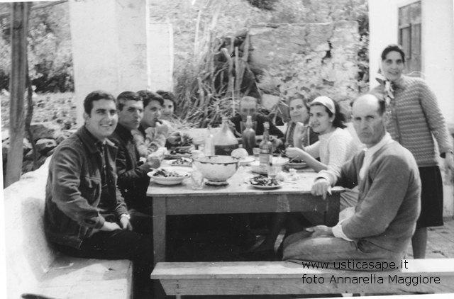 Ustica, pranzo speciale in campagna per il piacere di stare insieme