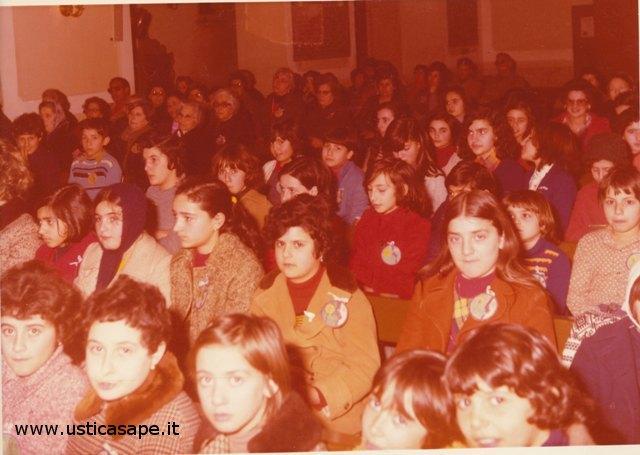 Ustica, cerimonia religiosa molto partecipata dai giovani