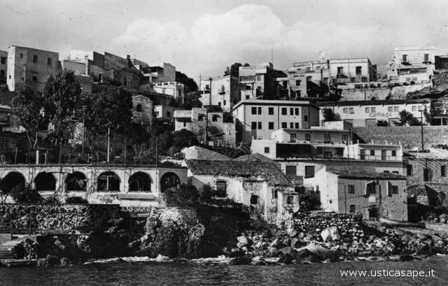 Ustica anni '50 - '60 vista da Cala Santa Maria