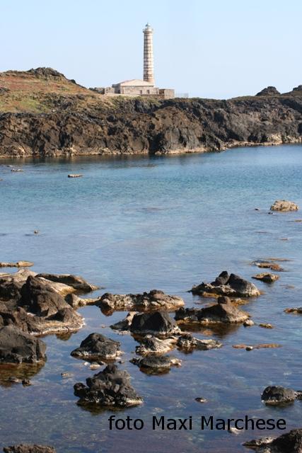 Ustica Spalmatore , Faro di punta Cavazzi