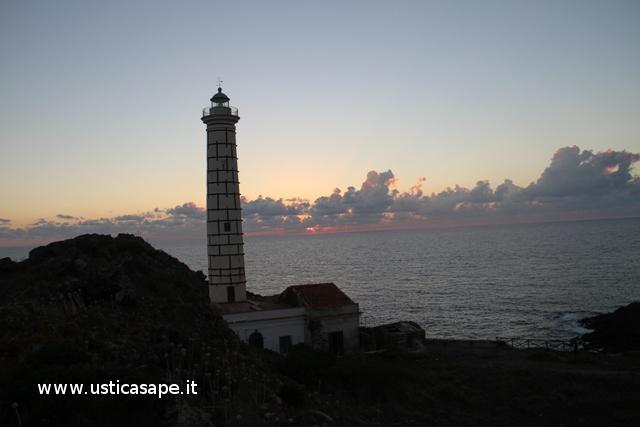 Ustica, faro, Punta, Cavazzi - tramonto