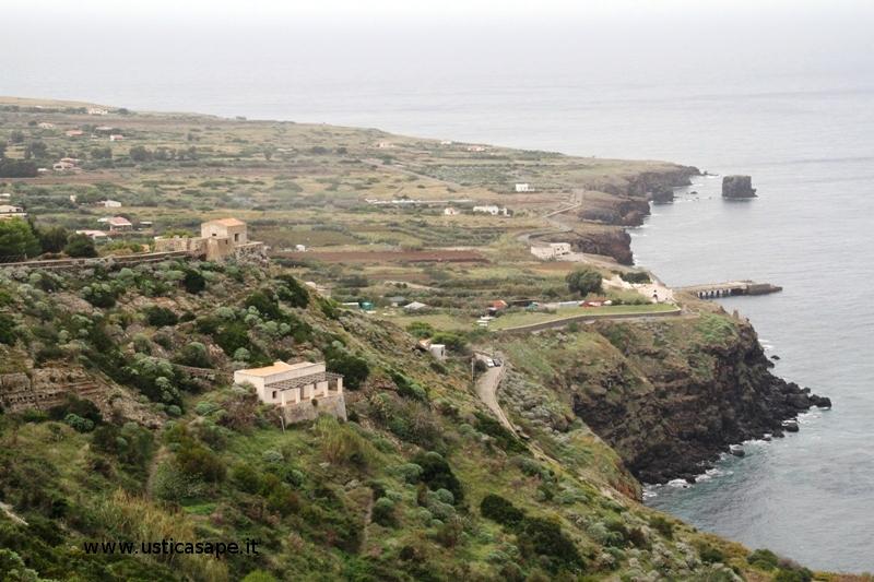 Ustica, panorama sulla Tramontana visto dalla Falconiera