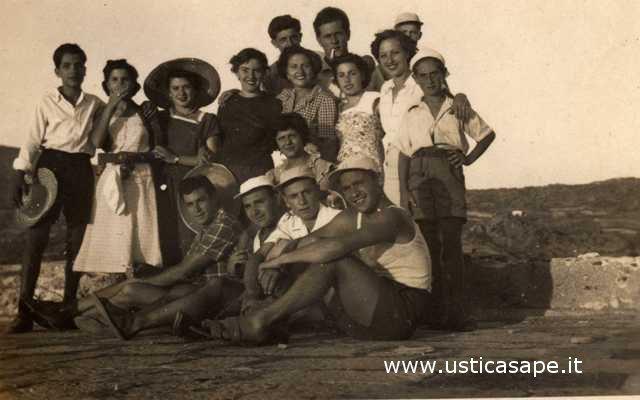 Ustica, giovani di ieri