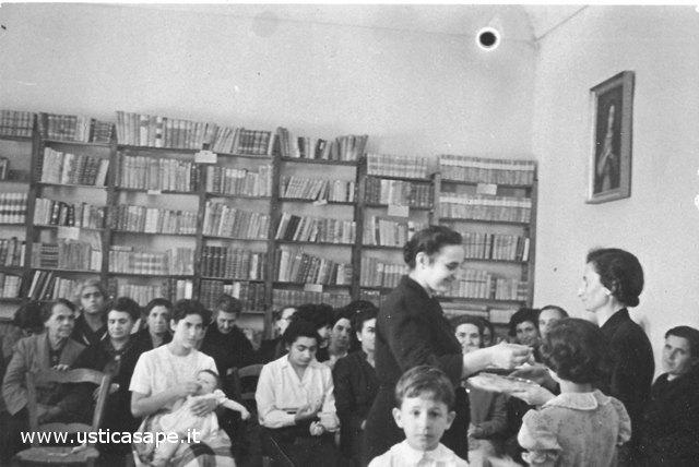 Ustica biblioteca Parrocchiale - incontro con le donne A.C.