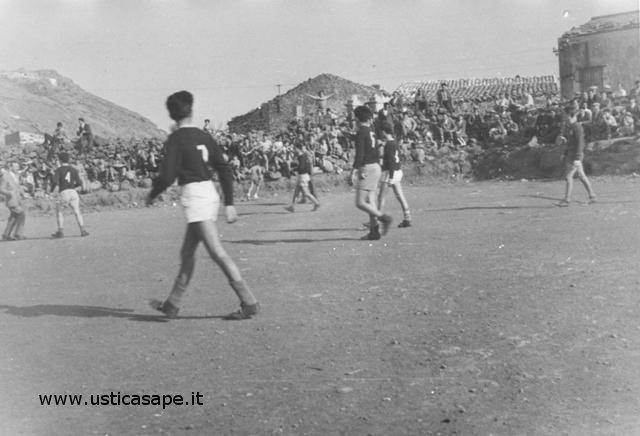 Ustica, Partita di Calcio