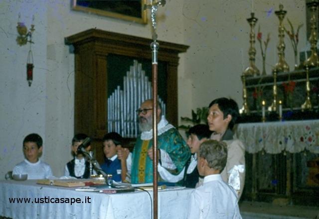 Ustica, foto ricordo della Prima Comunione