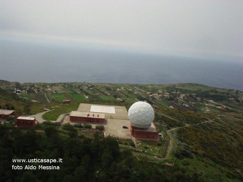 Ustica, radar ed elisuperficie visti dall'alto