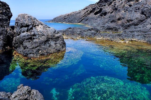 Ustica, piscina naturale