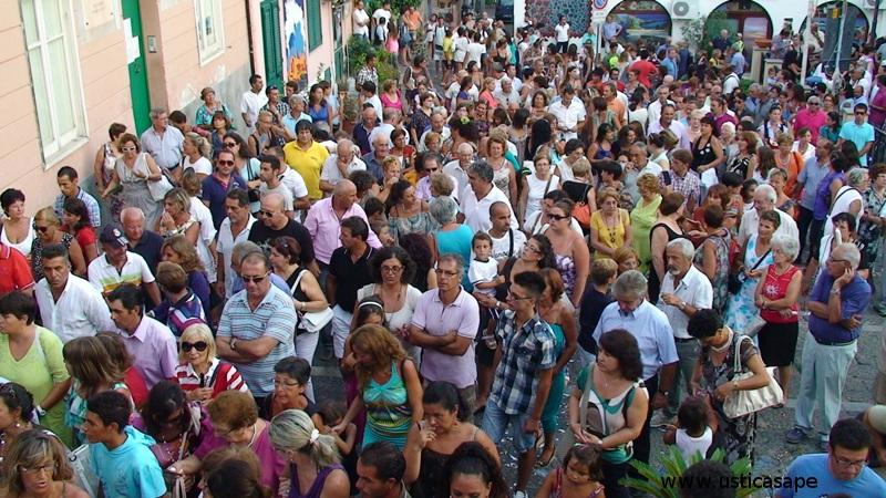a seguito della processione di San Bartolomeo