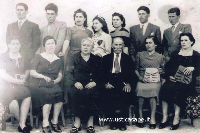 foto, dall'album della famiglia Di Lorenzo